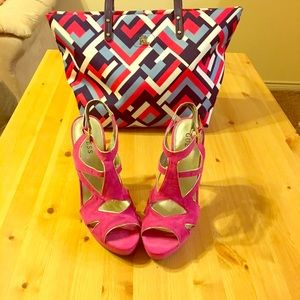 Guess heels with platform